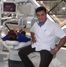 Dr. Enrique Topete